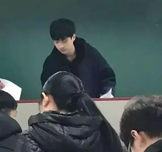 90后教授陈少威走红,读书和不读书差别在哪里?